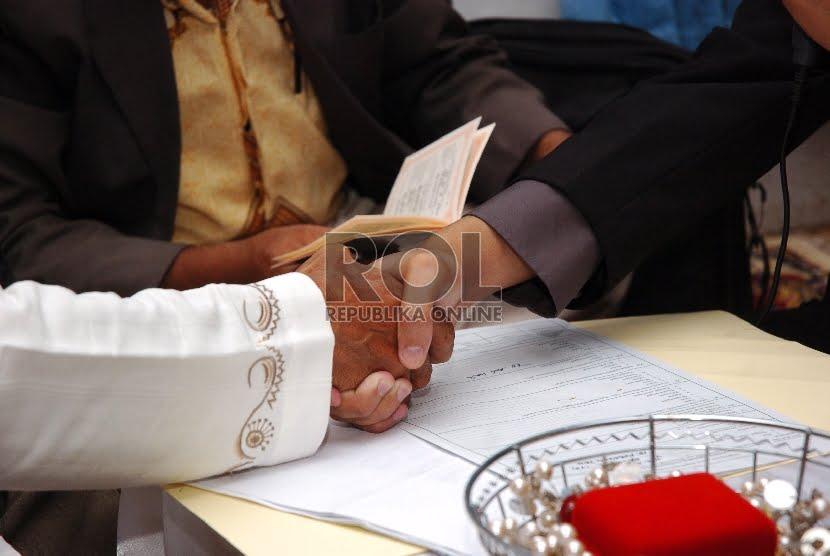 Adab-Adab Berhubungan Intim yang Penting untuk Suami