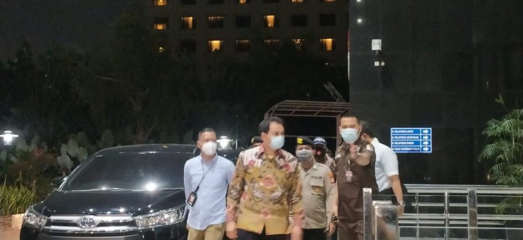 Azis Syamsuddin Tiba di Gedung KPK Setelah Dijemput Paksa